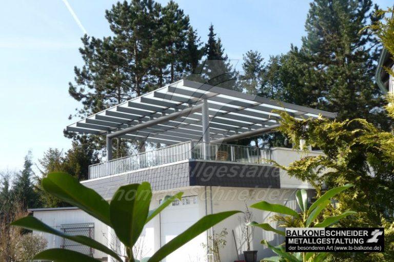Terrassenüberdachung in Rheingau mit UV-filternder Glaseindeckung
