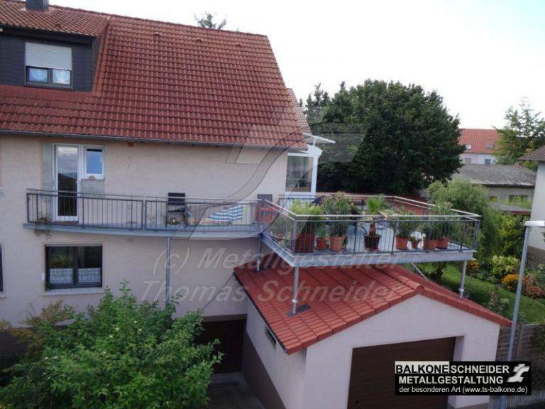 """""""Penthouse-Balkon"""": Auch bei eingeschränktem Platz realisieren wir Ihren Traum von einem Balkon."""