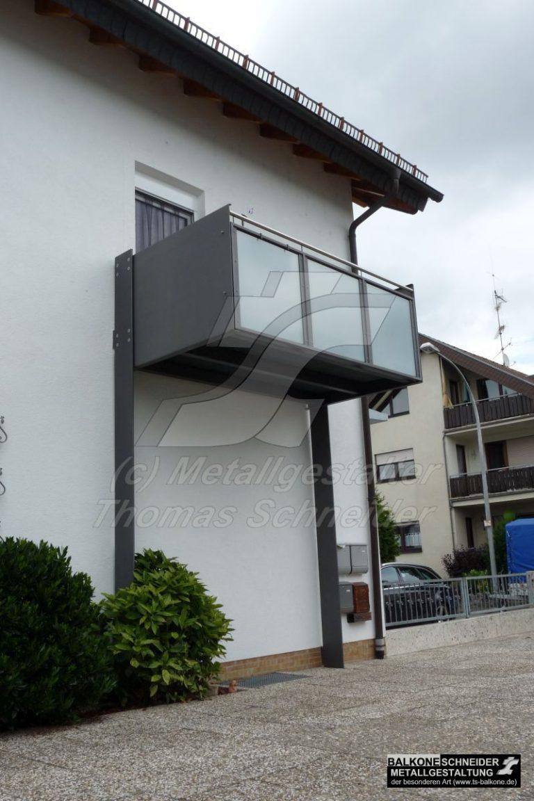 Statisch geprüft, stützenfreie Balkone können auch gestaltend wirken