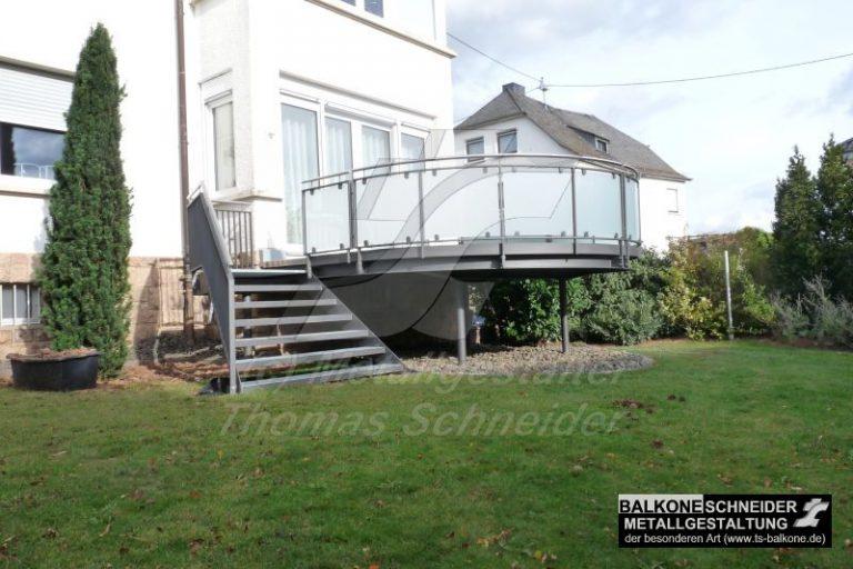 Ein Balkon aus Stahl ist in vielen erdenklichen Formen möglich