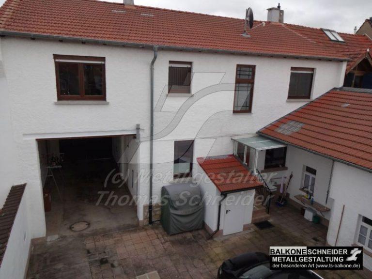 Sie hätten gerne einen Balkon mit Treppe, aber nur begrenzten Platz? ....