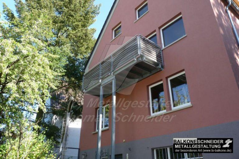 Ein harmonisches Design lässt sich auch über die Bauweise der Balkonstützen erzielen